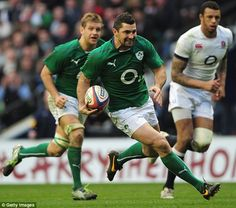 On the run: Ireland full-back Rob Kearney breaks through to score a try against England Irish Rugby, Australian Football, Six Nations, Rugby Players, Ireland, Soccer, Running, Lions, Sports