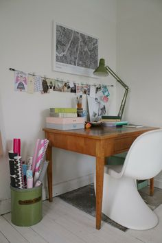 old wooden table+Panton chair