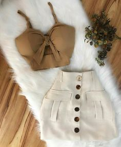 Pin by KeilaSaray on Women's fashion in 2019 Teen Fashion Outfits, Girly Outfits, Mode Outfits, Cute Fashion, Chic Outfits, Pretty Outfits, Girl Fashion, Fashion Dresses, Womens Fashion