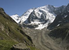 Hiking in Switzerland: The 15 most beautiful hikes Arno, Japanese Wine, Close Proximity, Wallis, Summer Time, Mount Everest, Travel Destinations, Most Beautiful, Hiking