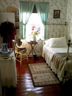 Anne of Green Gables bedroom.  It's real and soooo awesome! I want to visit Prince Edward Island someday..!