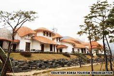 Sancheong Hanbang Resort (산청한방리조트), 68 Ungseokbongno 151-beongil, Sancheong-eup, Sancheong-gun, South Gyeongsang province