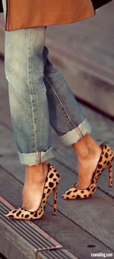 Rolled up jeans leopard heels and bag Jimmy Choo, Shoe Boots, Shoes Heels, High Heels, Christian Louboutin, Prada, Leopard Heels, Cheetah, Gucci