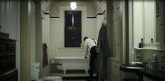 House of Cards - Season 1, Episode 5 bathroom