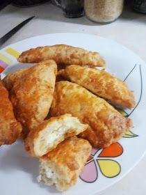 ΜΑΓΕΙΡΙΚΗ ΚΑΙ ΣΥΝΤΑΓΕΣ 2: Κουρού τυροπιτάκια !!! Pitta, Food Inspiration, Appetizers, Favorite Recipes, Bread, Chicken, Breakfast, Ethnic Recipes, Scrapbooking