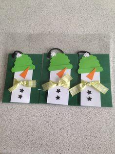 Til og fra kort til julegaverne Christmas Tag, Gift Tags, Triangle, Gifts, Presents, Christmas Ornament, Favors, Gift Cards, Gift