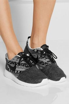 Wheretoget - Grey and white printed Nike sneakers