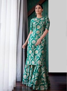 Best Labels To Buy Gorgeous Sharara Suits From! Best Labels To Buy Gorgeous Sharara Suits From! Silk Kurti Designs, Sharara Designs, Kurta Designs Women, Kurti Designs Party Wear, Indian Fashion Dresses, Dress Indian Style, Indian Designer Outfits, Indian Outfits, Indian Dresses For Women