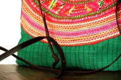 Splendide sac à main à main de style unique et entièrement fait main. Avez vous déjà rêvé d'avoir un