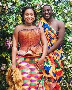 Ghanaian Kente fabric and styles is are becoming increasingly popular at African traditional wedding ceremonies bridal styles and dresses African Wear Dresses, Latest African Fashion Dresses, African Print Fashion, African Attire, African Outfits, African Traditional Wedding Dress, Traditional Outfits, Traditional Weddings, African Wear Designs