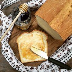 Ein sehr köstliches Brot dass nach Lust und Laune herzhaft oder süß belegt shmeckt. Probier es aus du wirst begeistert sein