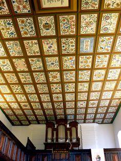 A mezőcsáti református templom mennyezet Heart Of Europe, Coffer, Grisaille, Room Paint, Ceilings, Hungary, Beams, Folk Art, Household