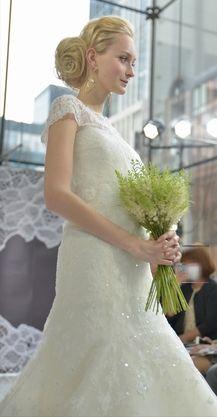 キャロリーナヘレラ ウェディングドレス