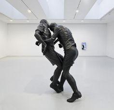 El cabezazo de Zidane a Materazzi. Escultura de Adel Abdessemed en la galería David Zwirner de Nueva York