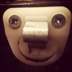 Face Illusions, Optical Illusions, Things With Faces, Funny Horror, Smiling Faces, Wtf Face, Strange Places, Hidden Face, Face Photo