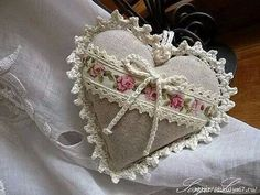 Finish with crochet Lavender Bags, Lavender Sachets, Valentine Crafts, Christmas Crafts, Valentines, Shabby Chic, Fabric Hearts, I Love Heart, Lace Heart
