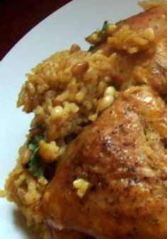 Maqluba - Up Side Down (Chicken & Rice) The rice here gets a little crunchy, such a great way to add vegetables to your dinner. A healthy must-try recipe.