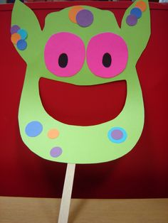 20 diy halloween mask crafts for kids monster bulletin for Paper mashing craft