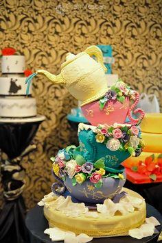 wedding cake Teapot Cake, Tea Party Setting, Fun Cakes, Rabbit Hole, Decorated Cakes, Cupcake Cookies, Amazing Cakes, Tea Time, Tea Pots