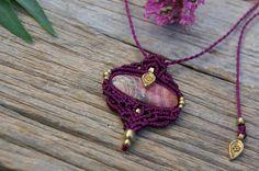 Macrame pendant fuchsia color with RODOCROSITE brass beads