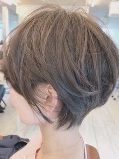 耳かけ無造作大人ボブ☆ふんわりシルエット☆表参道×長岡 - 24時間いつでもWEB予約OK!ヘアスタイル10万点以上掲載!お気に入りの髪型、人気のヘアスタイルを探すならKirei Style[キレイスタイル]で。