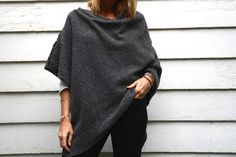 yoga shawl - a Friend to knit with