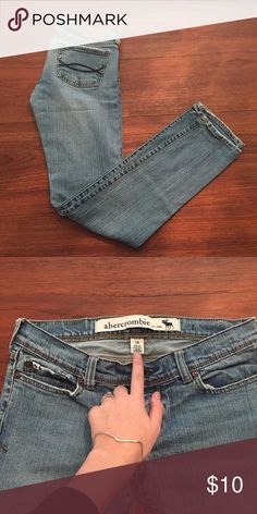 Abercrombie Jeans (4) Simple low rise blue/white jeans. Size 16, but is an approx. size 3. Used, has a little bit of wear on the hems and the leather label on the back is cracked. ♥︎Moving in a couple weeks, need my closet cleaned out. Check out my closet for more great items at low prices! Bundle to save ♥︎ ☀︎FREE GIFT with orders over $20!☀︎ Abercrombie & Fitch Jeans Skinny