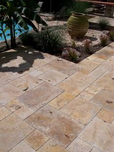 straight edge cut-outs in travertine patio Backyard Patio, Backyard Ideas, Limestone Pavers, Pool Pavers, Paver Designs, Treads And Risers, Pool Coping, Patio Flooring, Small Pools