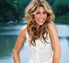 Jennifer Esposito - Loved her on Blue Bloods and she is a great addition to Mistresses Jennifer Esposito, Hollywood Actresses, Actors & Actresses, Meagan Good, Summer Hairstyles, Bun Hairstyles, Girl Crushes, Her Hair, Beautiful People