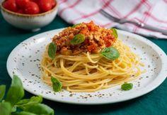 Vegán bolognai | NOSALTY Bologna, Tofu, Spaghetti, Vegan, Ethnic Recipes, Vegans, Noodle
