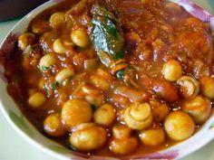 La meilleure recette de Champignons à la Grecques ultra simple (prépa 20 mns)! L'essayer, c'est l'adopter! 4.9/5 (9 votes), 21 Commentaires. Ingrédients: 200 grs de petits champignons frais 1 bouquet garni 1 gros oignon émincé 2 gousses d'ail émincées 10 cl de vin blanc 1 grande boite de tomates pelées 3 bonnes cuillères à soupe de concentré de tomates 2 cuillères à soupe d'huile d'olive 2 bonnes cuillères à soupe de persil Sel et poivre