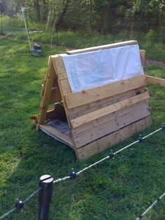 Pallet craft ... using pallets for WHY.  Great quick way to build a shelter. for the dog maybe...