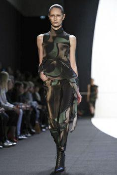 Akris Ready To Wear Fall Winter 2014 Paris - NOWFASHION