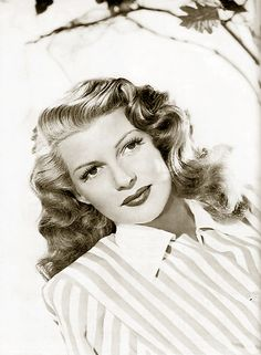 Rita Hayworth (born Margarita Carmen Cansino) She is one of six women who have the distinction of having danced on screen with both Fred Astaire and Gene Kelly. Hollywood Icons, Old Hollywood Glamour, Golden Age Of Hollywood, Vintage Glamour, Vintage Hollywood, Hollywood Stars, Classic Hollywood, Hollywood Divas, Old Movie Stars