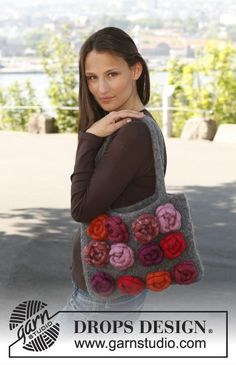 "Mademoiselle Rose - Felted DROPS bag with crochet and felted roses in ""Eskimo"". - Free pattern by DROPS Design Diy Crochet Purse, Diy Purse, Crochet Handbags, Flower Crochet, Knitting Patterns Free, Free Knitting, Free Pattern, Crochet Patterns, Drops Design"