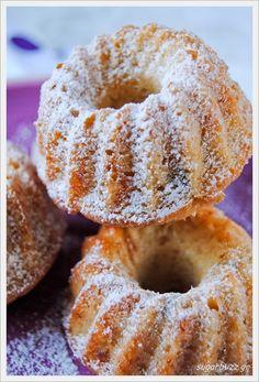 Sugar Buzz: Νηστίσιμο κέικ με γάλα καρύδας/ Vegan coconut cake