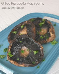 Grilled Portabella Mushrooms - easy low carb and low carb side dish for the grill! Low Carb Summer Recipes, Low Carb Vegetarian Recipes, Low Sugar Recipes, Wheat Free Recipes, Vegetarian Entrees, No Sugar Foods, Keto Recipes, Grilled Portabella Mushrooms, Stuffed Mushrooms