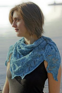 To bead or not to bead... that is the only question with this pretty shawl... of course, if its in here... its free!