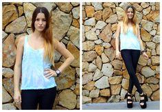 ♥ LOOK OF THE DAY 11-09-2012 ♥  ♥ Musculosa Batik Acqua   ♥ Calzas de Lycra Negras   ♥ Blair Black Wedges