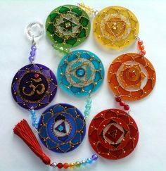 Sign in for Chakra Course 2019 7 Chakras, Old Cd Crafts, Arts And Crafts, Diy Crafts, Glass Painting Designs, Paint Designs, Cd Recycle, Hamsa Art, Recycled Cds
