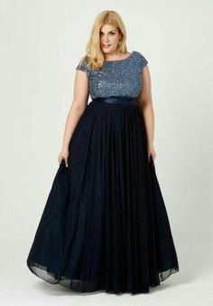 But with a sweet heart neckline Plus Size Prom, Plus Size Gowns, Plus Size Party Dresses, Evening Dresses Plus Size, Formal Evening Dresses, Plus Size Dresses, Plus Size Outfits, Evening Gowns, Curvy Fashion