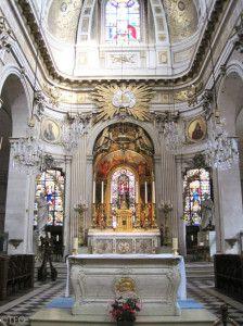 Altar in Saint-Louis-en-l'Isle on Ile Saint-Louis in Ile Saint Louis, St Louis, Amazing Architecture, Interior Architecture, Paris Images, Tourist Spots, Small Island, France Travel, Paris France