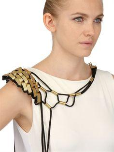 Susana Bettencourt_Shoulder Necklace