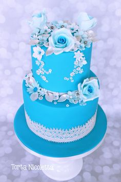 Blue flowers wedding cake