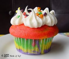 Fun cupcakes for kids--did these for a preschool playgroup a couple years ago and they loved them!