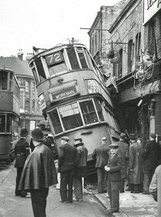 History Discover 15 Historical & Never Seen Photos of London - Mega Series Part 1 London History, British History, American History, Liverpool History, American Symbols, Asian History, American Women, Natural History, American Indians