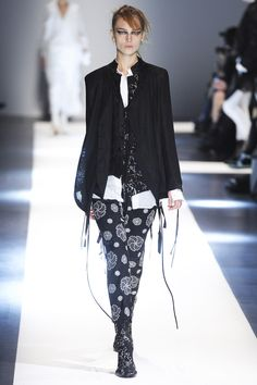 Ann Demeulemeester collection printemps-été 2015 #mode #fashion
