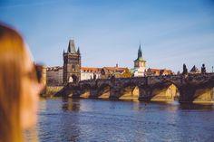 vue sur le Pont Charles Pont Charles, Tower Bridge, Travel, Prague, Visit Prague, Tourism, Viajes, Destinations, Traveling