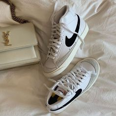 Nanooe Schka Sneaker Trend, Puma Sneaker, Sneaker Heels, Sneakers Mode, Sneakers Fashion, Fashion Shoes, Shoes Sneakers, Sneaker Outfits, Look At My