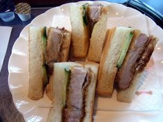 トラックターミナル近くの喫茶店 【喫茶シャレード】 Tonkatsu, Pork Cutlets, Junk Food, Japanese Food, Sandwiches, Bread, Pork Chops, Japanese Dishes, Breads